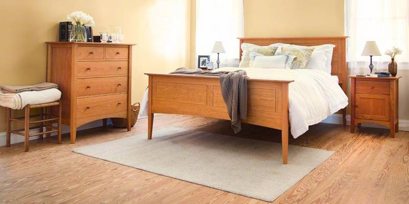 American Shaker Panel Bed with Matching Nightstand & Chest