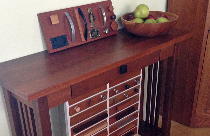 Drawer pulls can customize your furniture quickly and easily