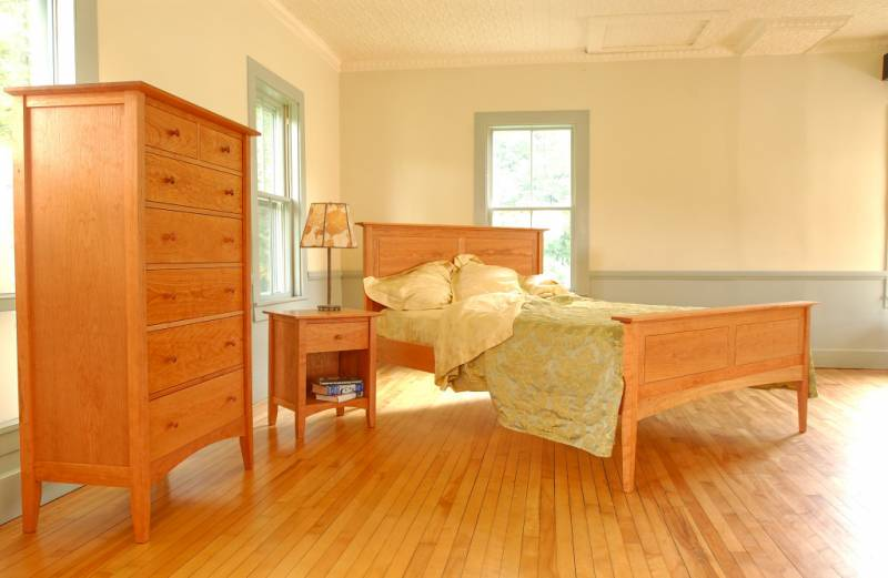 American Shaker Bedroom Set with Panel Bed (3)
