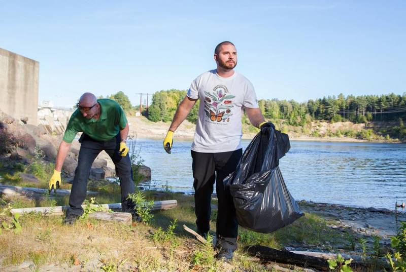 Vermont Furniture Store environmental mission: river clean up