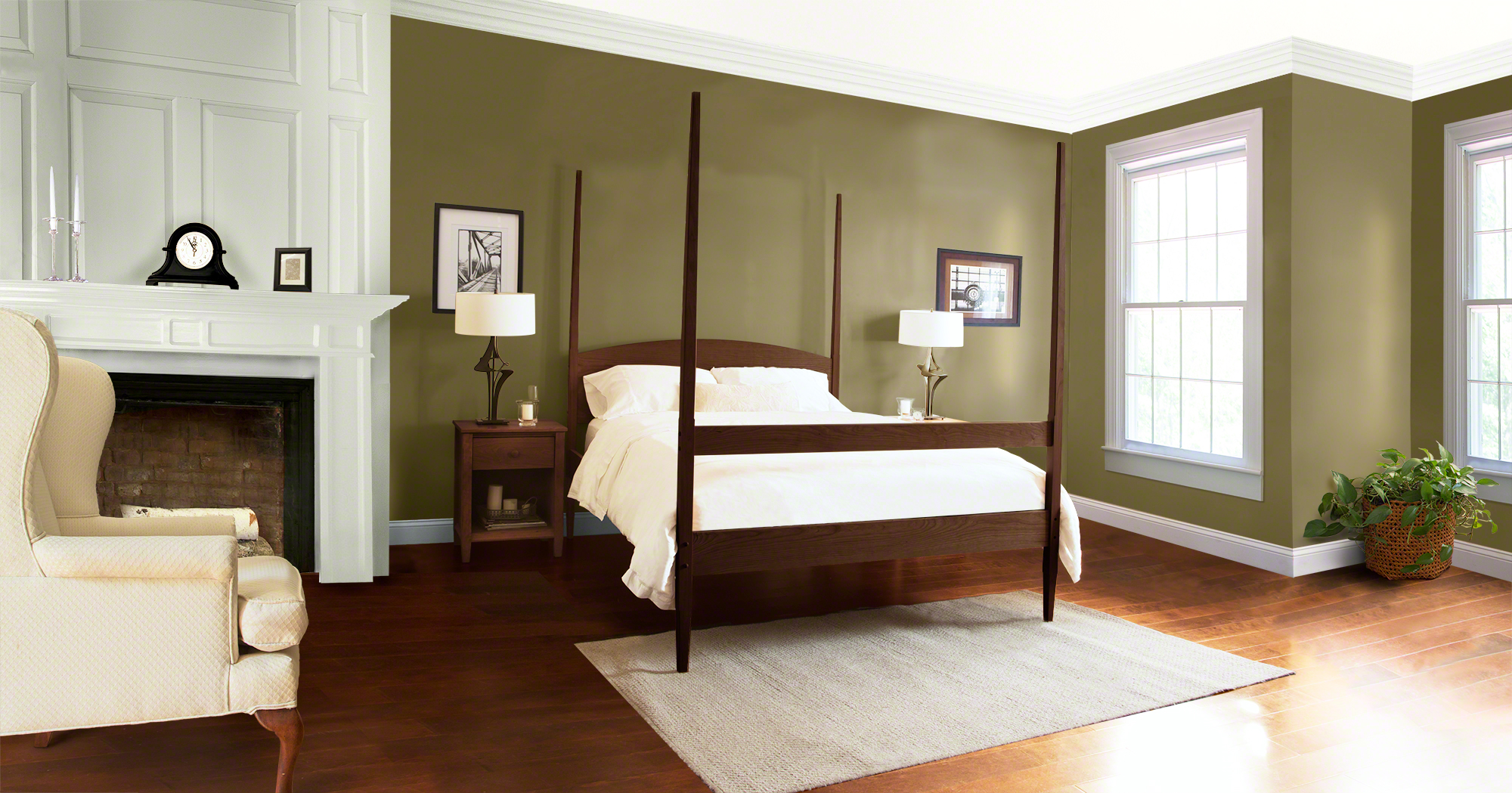 Vermont Shaker Four Poster Bed in Walnut