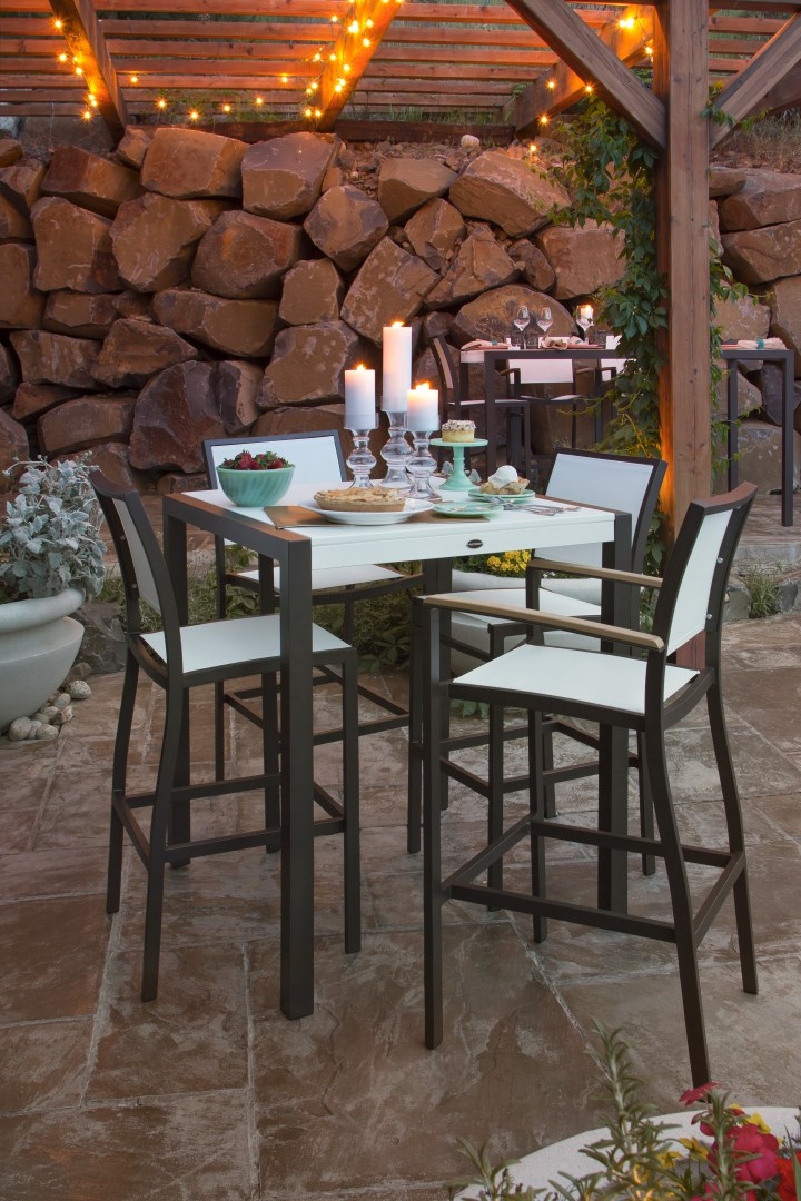 Creating the Best Outdoor Furniture Spaces | Bayline Dining Furniture | Vermont Woods Studios