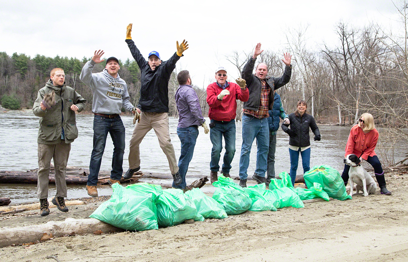 VWS Green Team Cleans Up the Local Beach