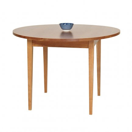 Classic Shaker Round Dining Table