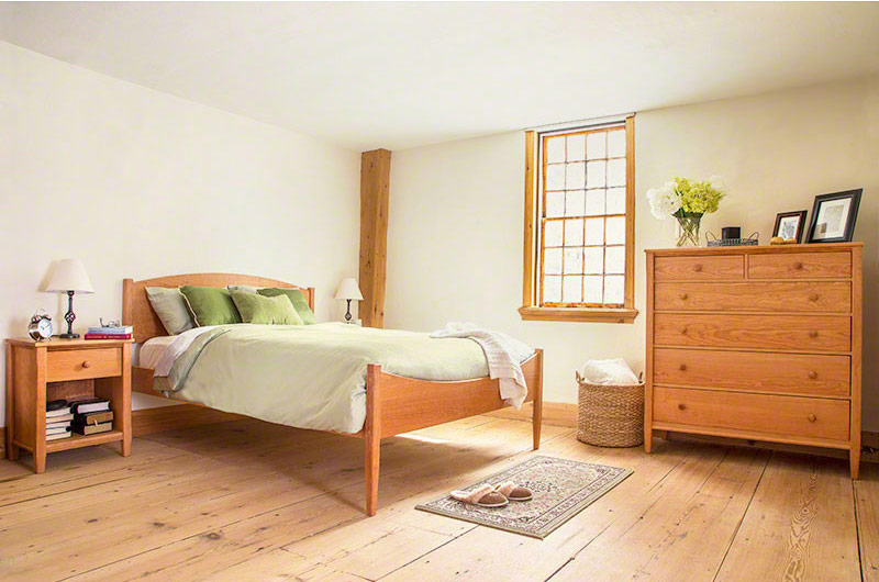 Vermont Shaker Moon Bed by Maple Corner Woodworks