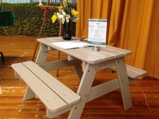 Polywood Table