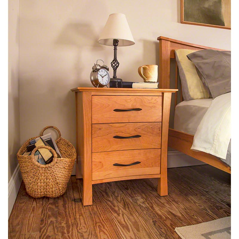 Green Mountain 3 Drawer Nightstand Handcrafted Solid Wood Bedroom Furniture