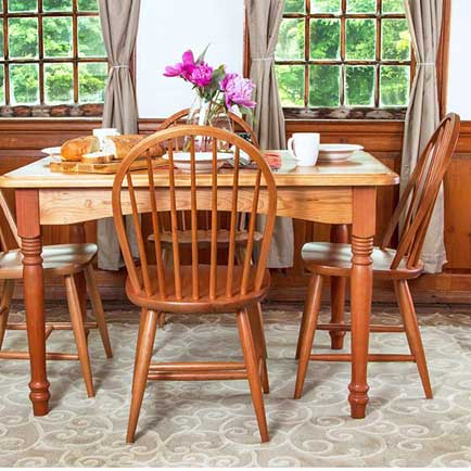 Classic Country Dinette Set
