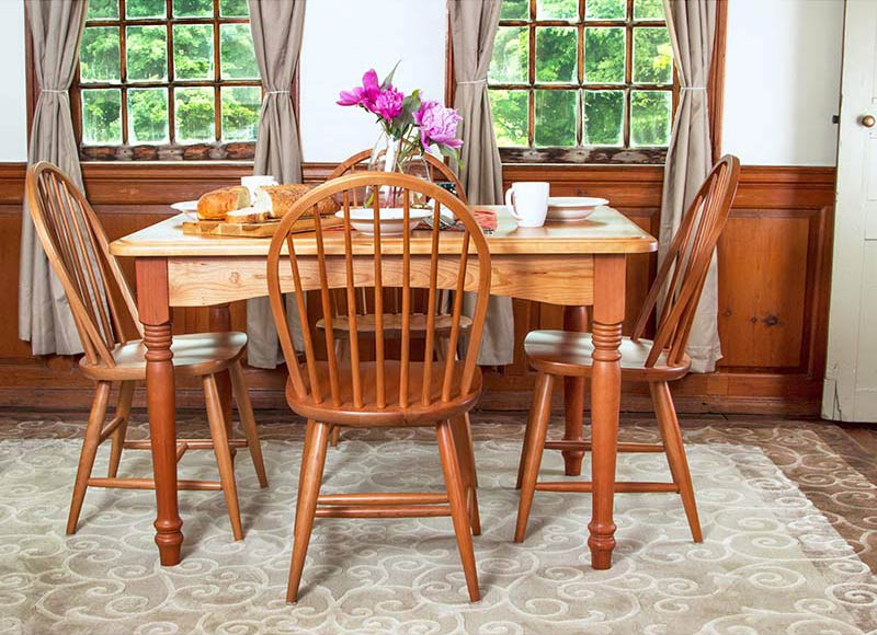 Clic Country Dinette Set