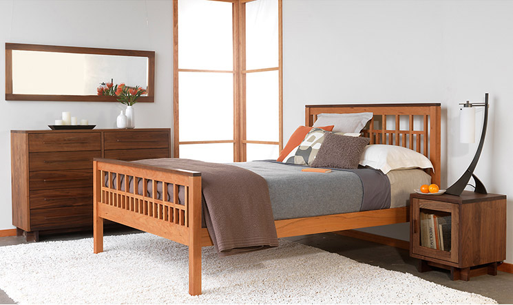 Natural Solid Wood Bedroom Furniture Set | Modern American Style ...